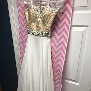 Sherri Hill white gown with beaded top size 6